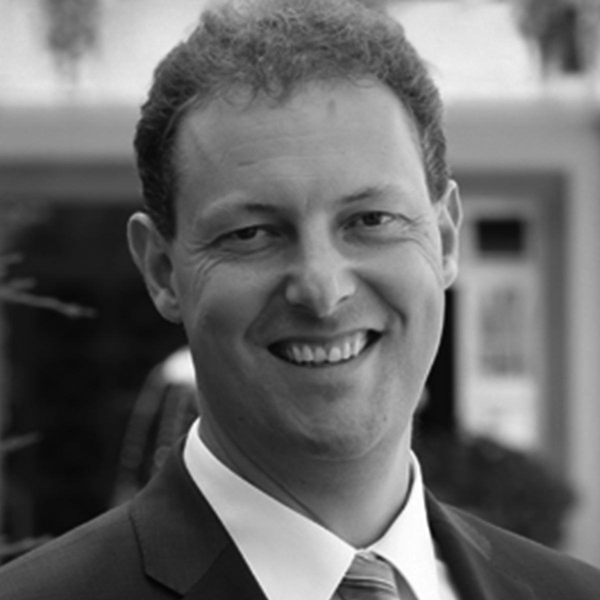 Dr. Thomas Lutz · Institut für wirtschaftliche Bildung und Beratung GmbH